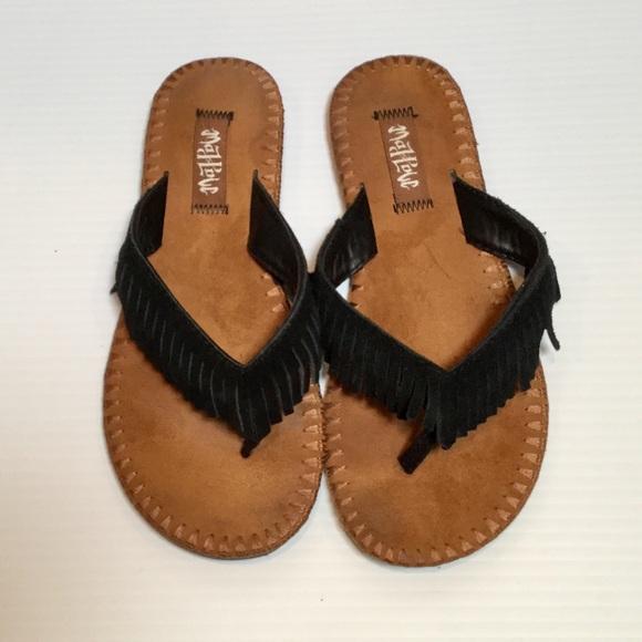 8813060bef93e1 Mad Love Shoes - Black Suede Fringe Sandals MAD LOVE Flip Flops 5 6